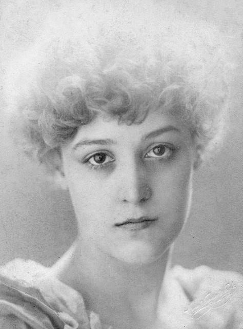 Dorothy Dene